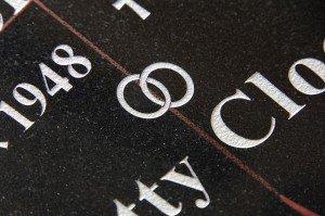 Gezandstraalde letters - Reijnen Grafmonumenten